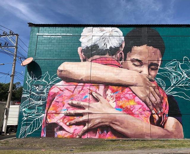 El abrazo, por Vértigo Graffiti